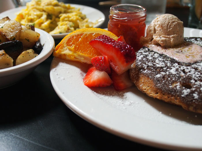 vegan pancake breakfast from Hillbilly Tea in Louisville, Kentucky