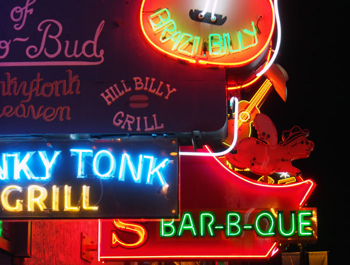 neon cowboy bar signs in Nashville, TN