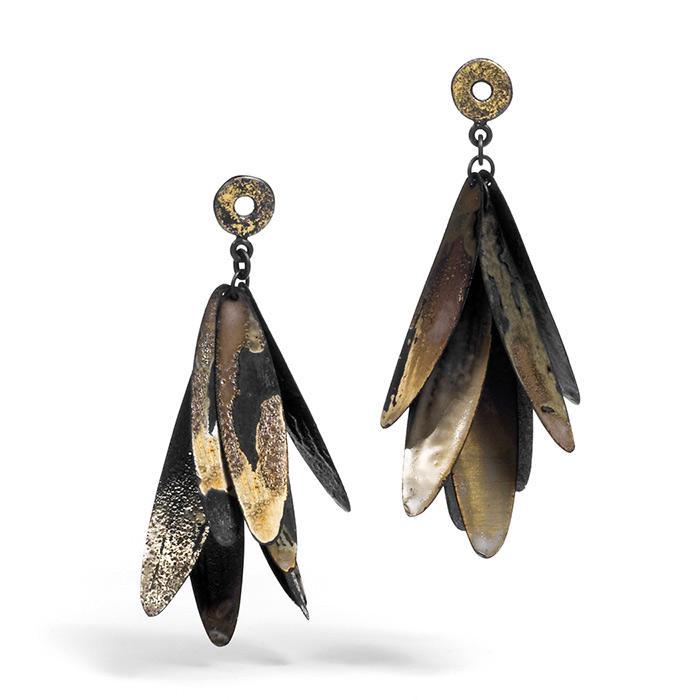 handmade earrings by Heejin Hwang