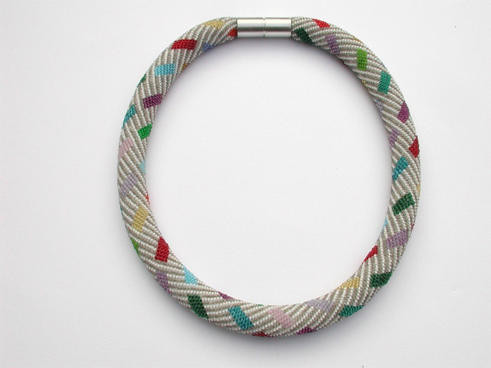 handmade necklace by Viktoria Luftensteiner