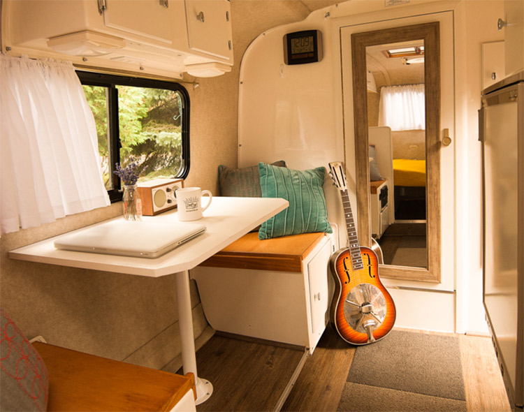 inside the DesignEgg scamp trailer